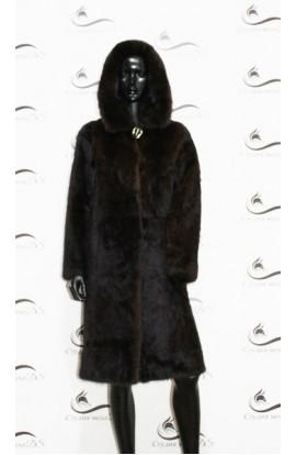 Шуба из норки темно коричневая с капюшоном БУ.
