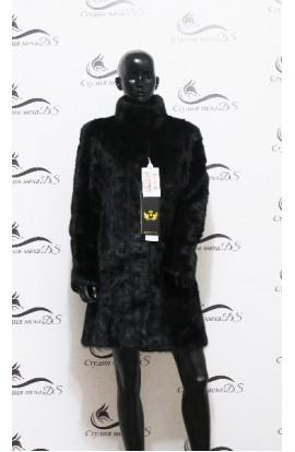 Шуба из норки с длинными рукавами черного цвета новая.