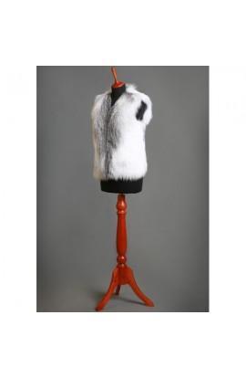 Меховой жилет из меха арктической лисы.